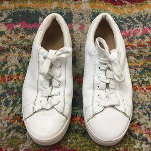VIONIC Size 6.5 White Sneakers